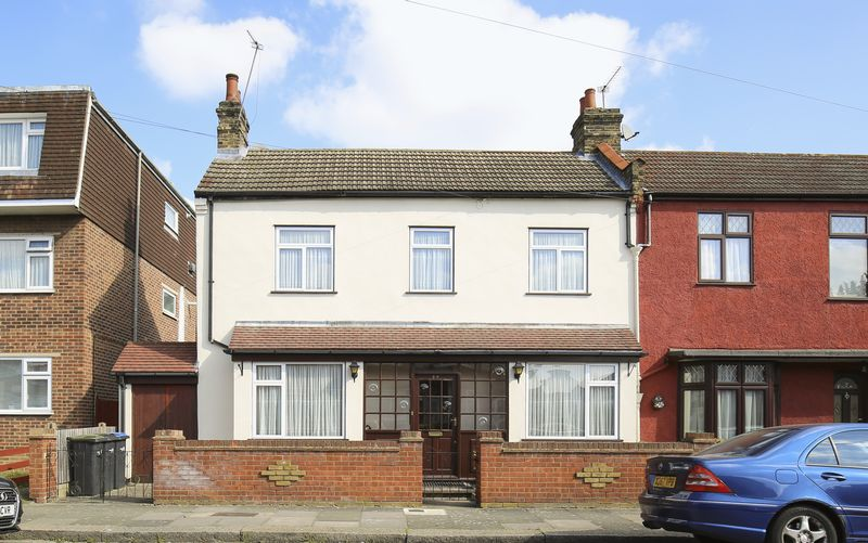 3 Bedrooms Terraced House for sale in Riley Road, Enfield
